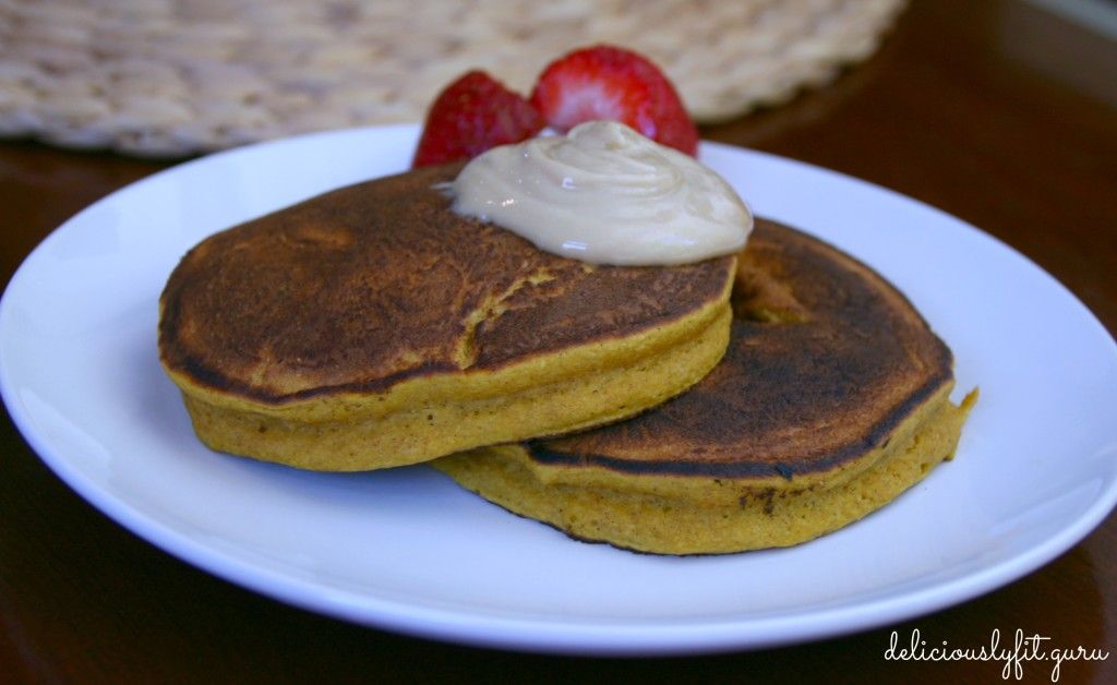 Pumpkin Pie Oat Pancakes - deliciously FIT
